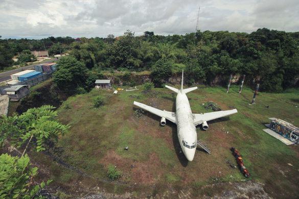Avião abandonado em Bali