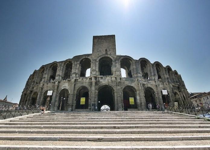 la Arena de Arles, Francia