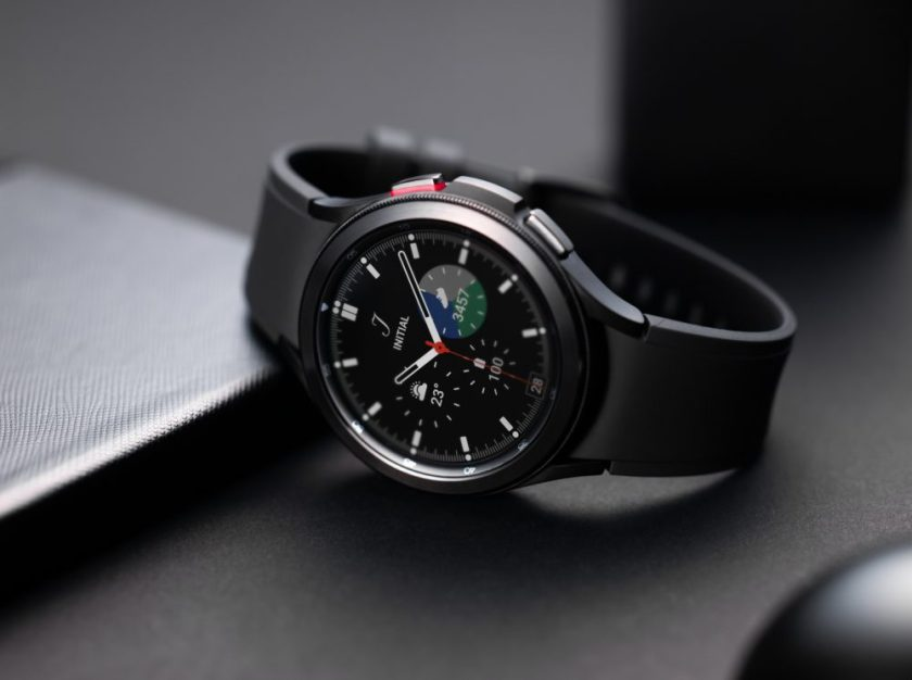 With Wear OS 3, Galaxy Watch 4 is one of the best smartwatch on the market.