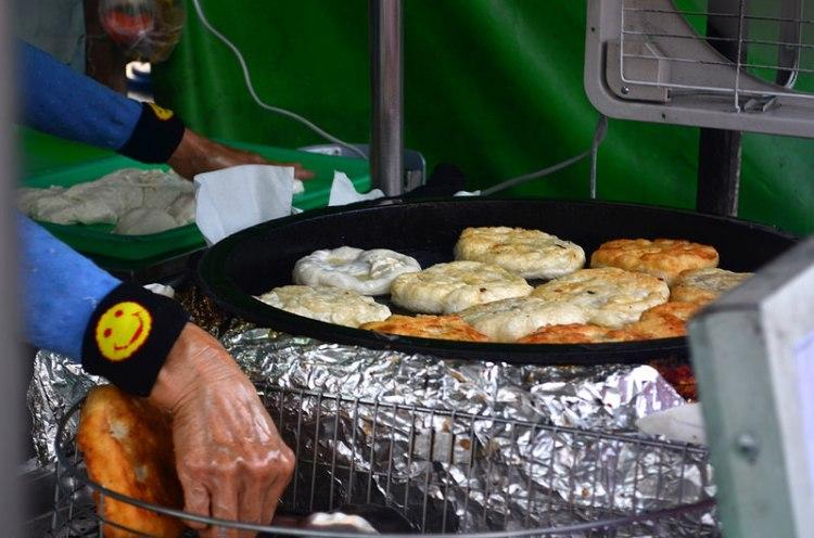 『彰化田中_蘿蔔絲餅/紅薯餅』在地人受歡迎小吃,每日限量,賣完即止!