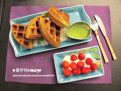 (已停業)『台中西區_Purple Matcha Salon-宇治抹茶沙龍』愛伊特心目中的第一名抹茶鬆餅換人啦~~讓你體驗不同的抹茶風情!