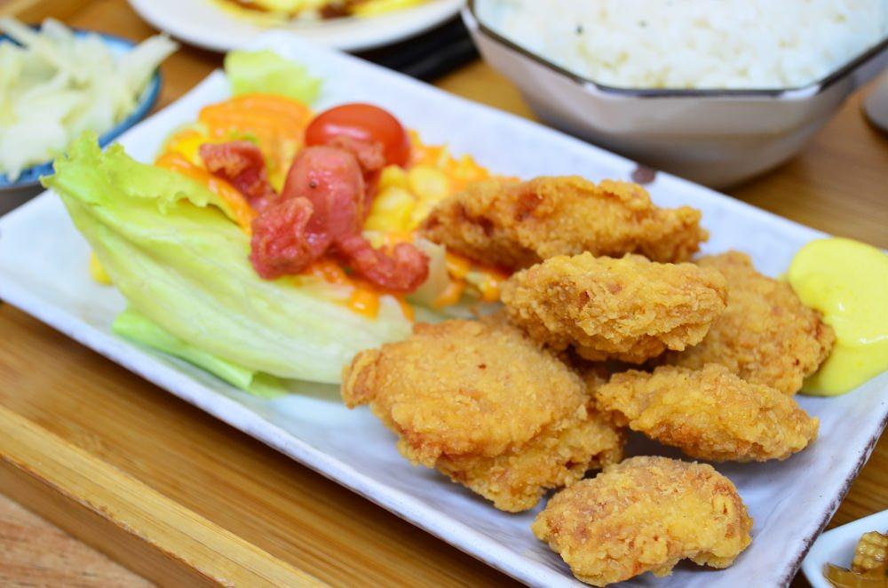 彰化美食_秋本家│彰化火車站附近平價定食,每到用餐時刻都人潮滿滿。