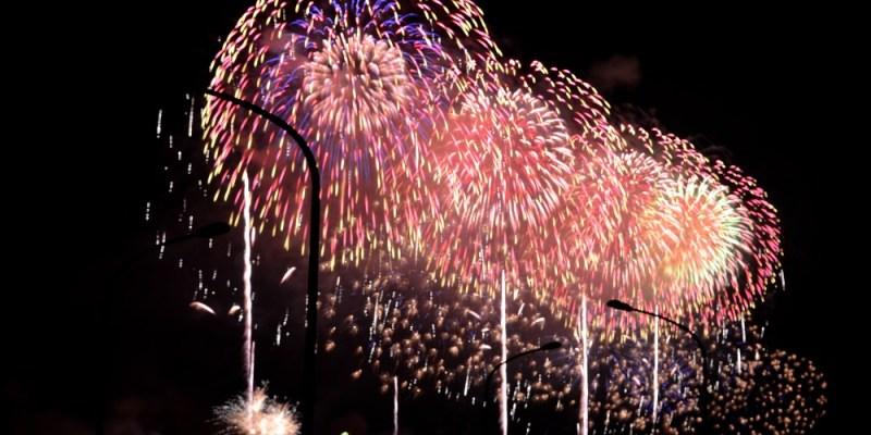 2018國慶煙火在花蓮│36分鐘共三萬八百零六發的煙火絢爛綻放在海面上!