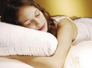 枕頭的選擇技巧 如何選擇合適的枕頭-趣讀