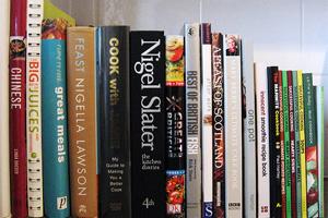 Kuchárky, kuchárske knižky, kniha, knihy, literatúra, knižnica. Snímka Flickr.com/Duncan