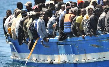 Service alarm: twenty thousand incoming migrants. Meloni (Fdi): Immediately naval blockade