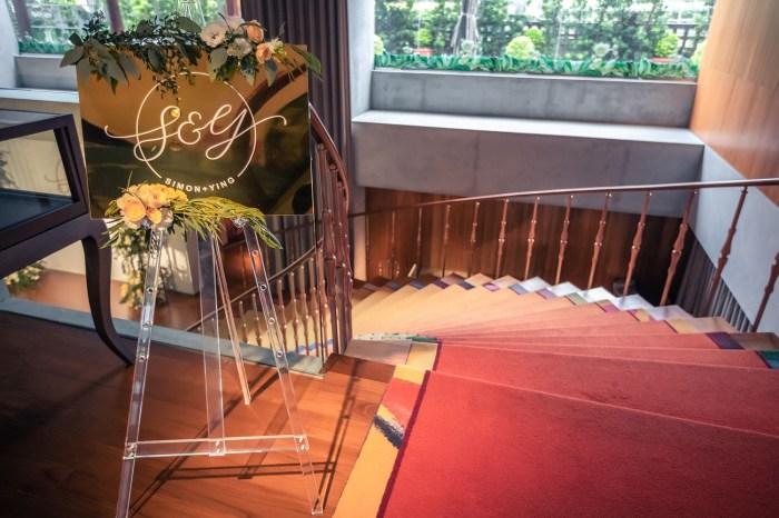 婚禮佈置   客製化金色鏡面迎賓牌@山茶花小姐的婚禮手記Le Camélia