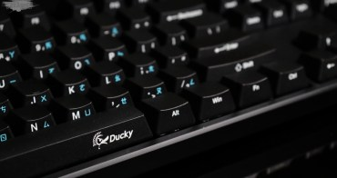 機械式鍵盤推薦-創傑Ducky one 茶軸鍵盤評測~好想一直打字,誰叫我停下來我就跟他拚了。