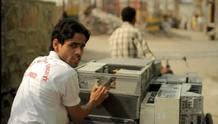 En Delhi, India la UE confinancia negocios oficiales de reciclaje donde se respeten las normas medioambientales y sociales