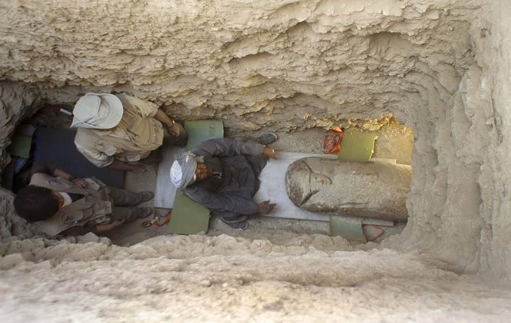 Imagen de la cámara sepulcral excavada en la roca a cuatro metros de profundidad