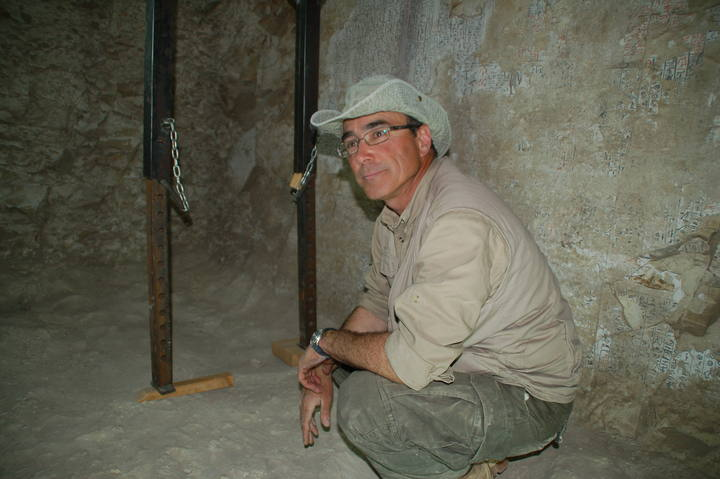 José Manuel Galán y su equipo llevan 10 años excavando en la colina de Dra Abu el Naga