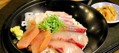 【九州-福岡-自由行】♫赤坂駅周邊美食,必吃海鮮丼,博多魚がし_市場会館店