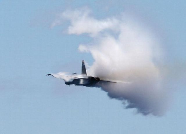 Fighter jets breaking the Sound Barrier (16 pics)