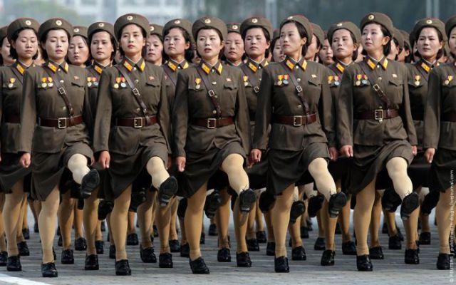 https://i1.wp.com/img.izismile.com/img/img3/20101012/640/north_korean_military_640_10.jpg
