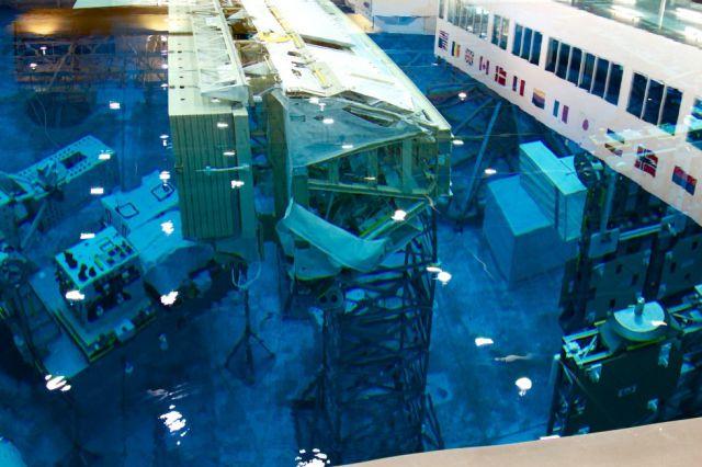 Nasa S Spacemen Have Their Own Swimming Pool Too 66 Pics Izismile Com