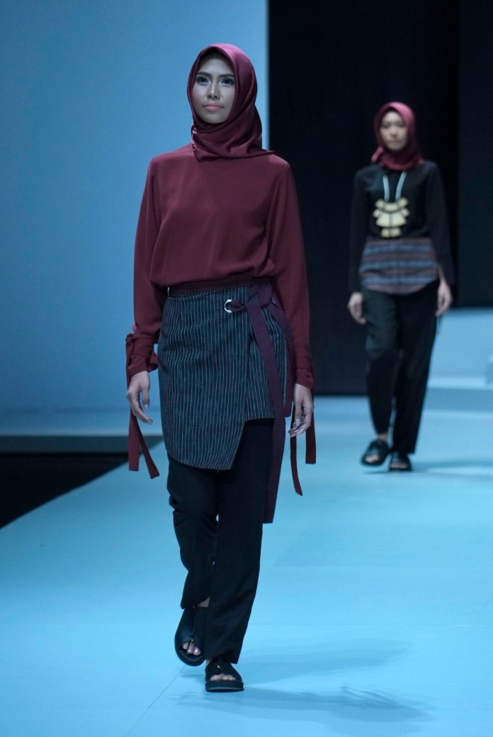 Indonesia Fashion Week Highlights Ethnic Designs Local Culture Lifestyle The Jakarta Post