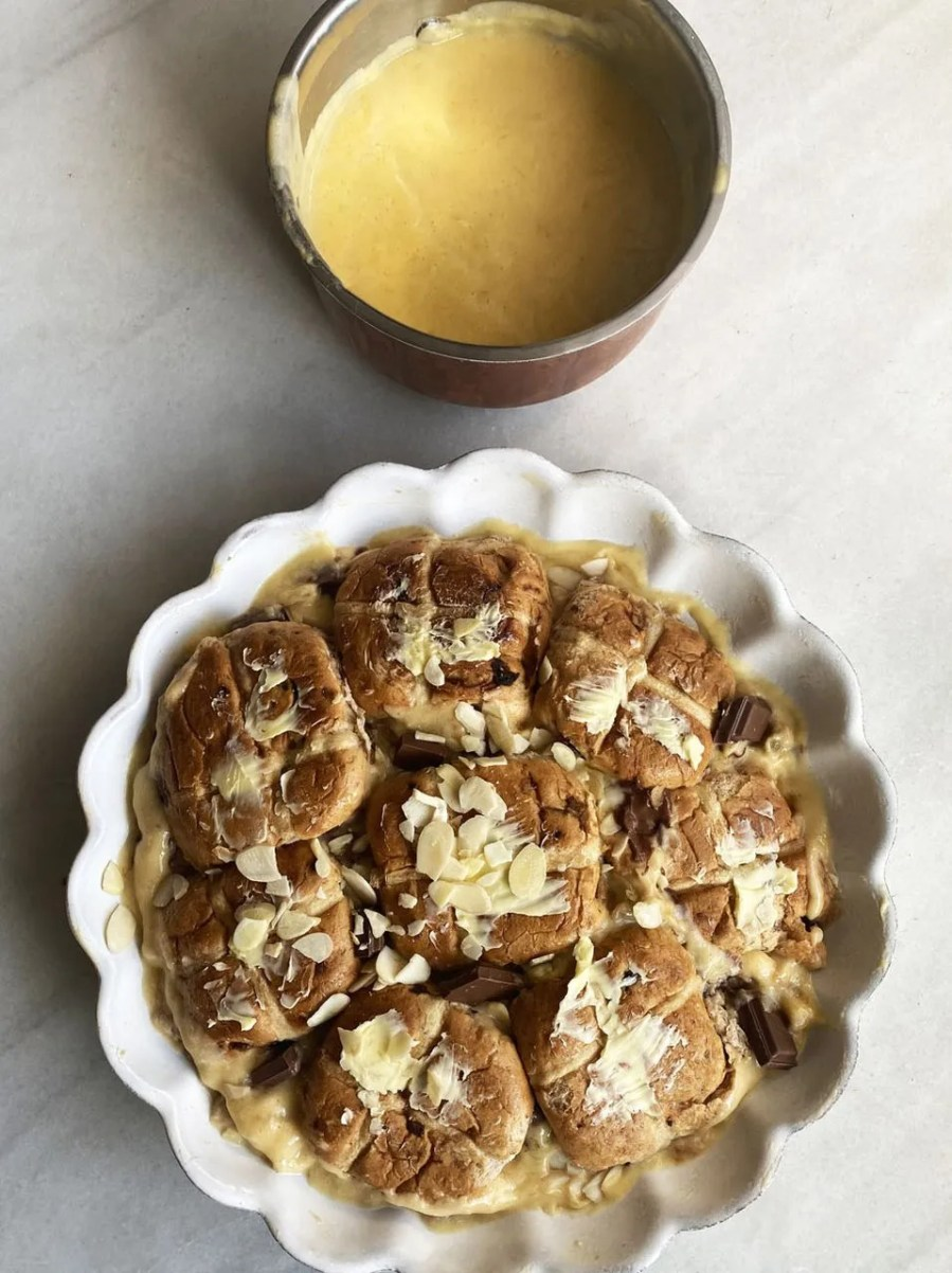 Hot cross bun custard pudding