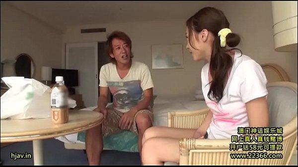 【美少女】ヤリチンチャラ男にパコられてしまう美少女の一部始終!