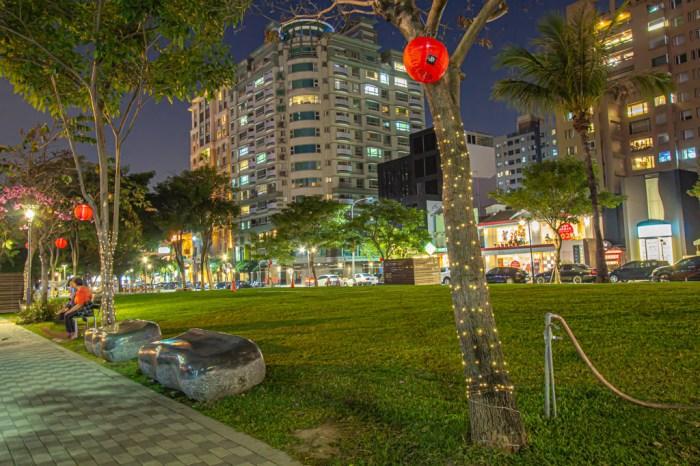 台中景點,璀璨美術園道~假日有甲蟲市集,晚間輕鬆散步欣賞美術綠園道景緻。