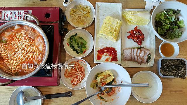 【韓國梨大美食】梨大高冷地고냉지,一個人也能大口享用的美味泡菜鍋+韓式拌飯+超大雞蛋捲!