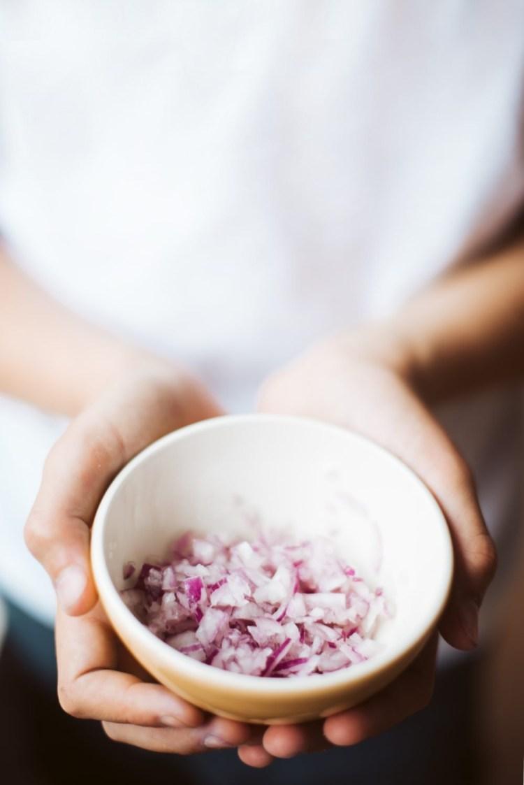 高嘎食驗室|新手料理,零失敗的洋蔥炒蛋,5分鐘快速上桌