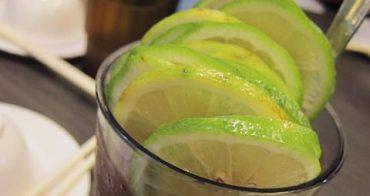 【台中美食】勤美誠品綠園道,鄰近科博館的金寶茶餐廳~整顆檸檬的超霸氣凍檸茶