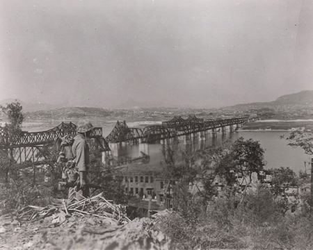 Image result for South Korean forces blow up the Hangang Bridge