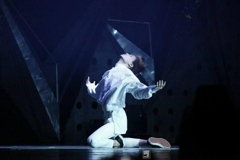 EXO-L 指控 BTS Jimin抄襲了Kai的舞蹈 - kpopdata.com 韓星資料庫
