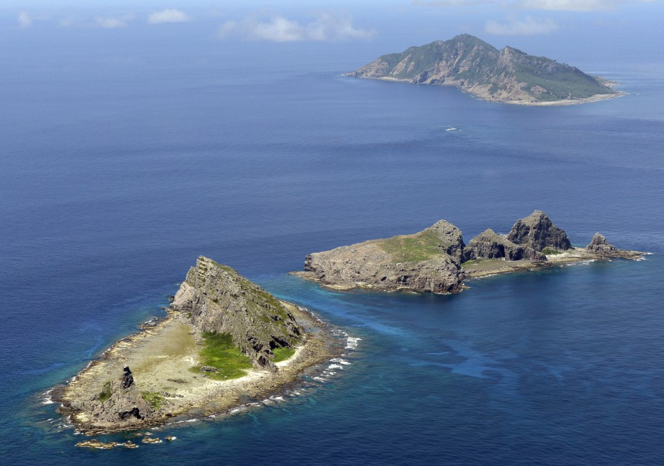 E. Chinese ship not seen near Japan's islets in the China Sea, streak ends