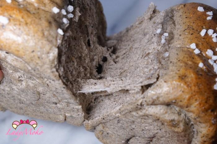 芝麻生吐司(生食パン)食譜|牽絲牽絲~福源黑芝麻醬使用,包餡與沒包餡兩種
