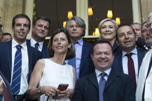 Six des huit députés Front national ont au moins un membre de leur famille engagé dans la vie politique.