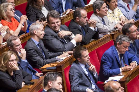 Franck Riester, Thierry Solère et le groupe des Constructifs à l'Assemblée nationale (Paris), le 4 juillet.