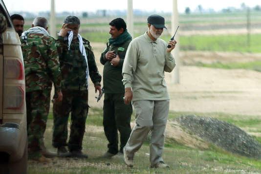 Le commandant Ghassem Soleimani lors de l'offensive contre les troupes de l'Etat islamique à Tal Ksaiba (Irak), le 8 mars 2015.