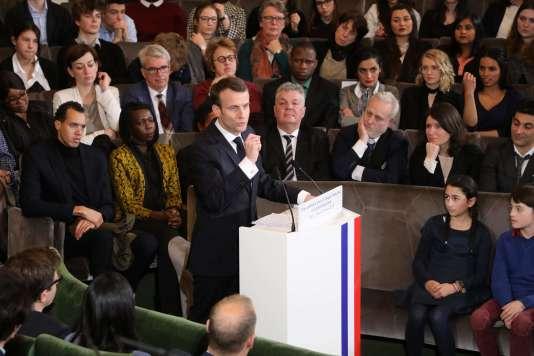 Le président Emmanuel Macron a présenté son plan pour la promotion du français à l'occasion de la Journée internationale de la francophonie, le 20 mars.