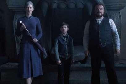 Cate Blanchett, Owen Vaccaro etJack Black dans« La Prophétie de l'horloge» («The House With a Clock in its Walls»), d'Eli Roth.