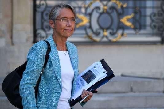 Minister of Transport Elisabeth Borne, at the exit of the Elysée, October 10.