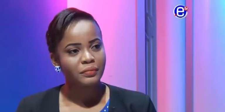 Mimi Mefo, rédactrice en chef adjointe et présentatrice vedette de la chaîne de télévision privée Equinoxe TV.