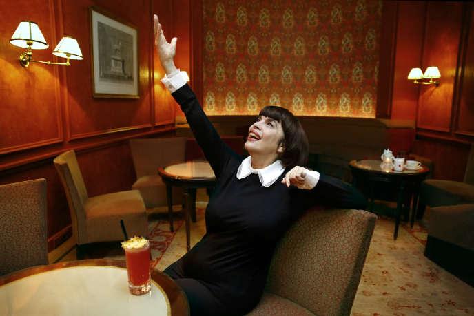 Mireille Mathieu at the Bar du Bristol (Le Bristol Hotel, Paris), 16 November.