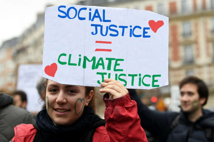 A demonstrator of the climate march took place on Saturday 8 December in Paris.