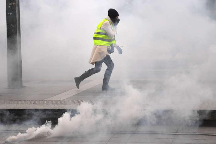 """Lors de la manifestation des """"gilets jaunes"""", in Bordeaux, the 5 janvier."""