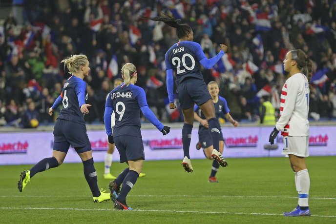 Kadidiatou Diani jubilates: she has just opened the score against the United States.
