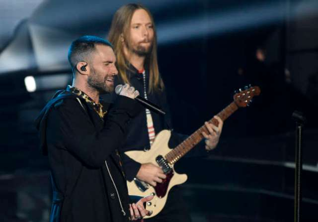 Après les refus de Jay Z, de Rihanna ou encore de Cardi B, ce sera finalement Maroon 5 qui assurera le concert de la mi-temps du Super Bowl.