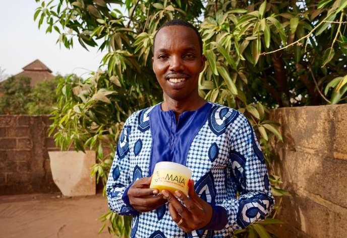 Gérard Niyondiko, l'inventeur de la pommade Maïa à Ouagadougou, le 14 mars 2019.