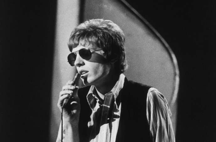 Scott Walker at the time of the Walker Brothers, during a TV show in London, 1970.