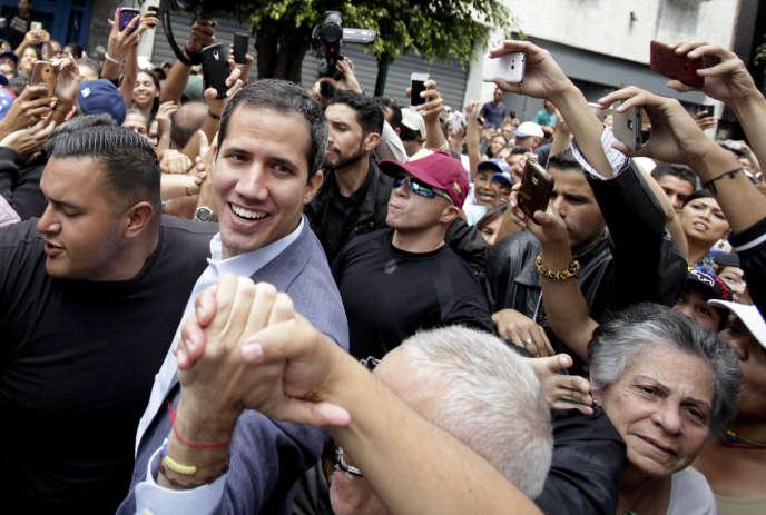 Juan Guaido rencontre ses partisans à Los Teques, près de Caracas le 30 mars 2019.