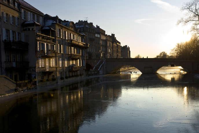 Metz, en Moselle, 1er département en pourcentage (49%) de pesticides perturbateurs endocriniens découverts dans les cours d'eaux.