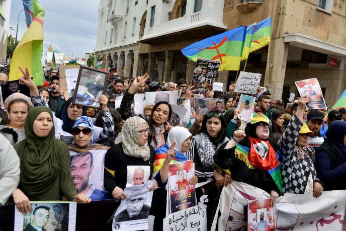 Demonstration in Rabat am 21. April 2019 für die Freilassung der Gefangenen der Protestbewegung Hirak.