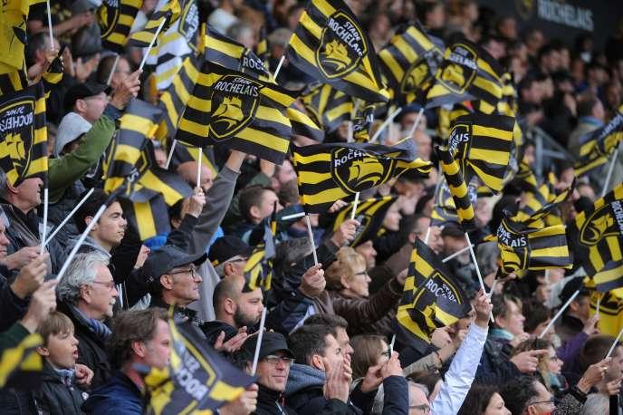 Sur les 16 000 places du stade Marcel-Deflandre à La Rochelle, 13 000 correspondent à des abonnements annuels et seulement 3 000 sont vendues à l'unité.