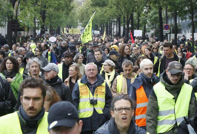 Le cortège de« gilets jaunes» à Paris, pour l'acte XXVI, le 11 mai.