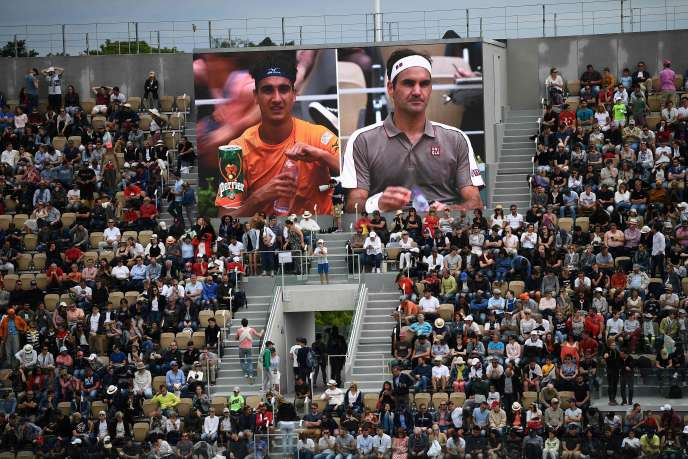The Philippe-Chatrier court, in the first round between Lorenzo Sonego and Roger Federer, Sunday 26 May.